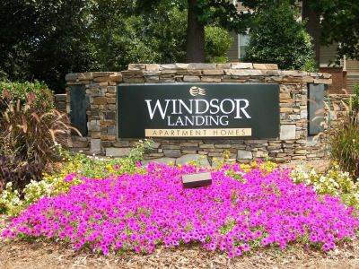 Windsor Apartment Sign